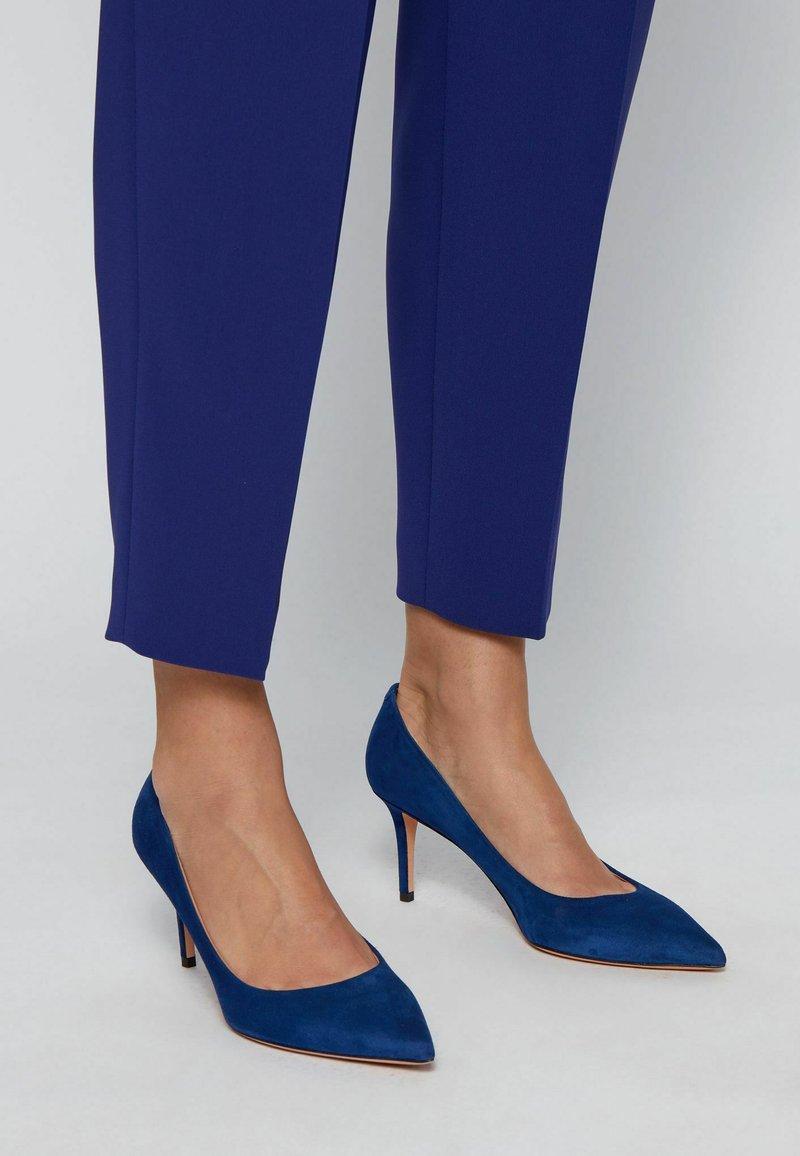 BOSS - EDDIE - Classic heels - dark purple