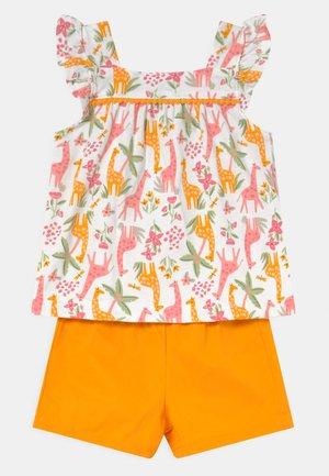 2-Piece Animal Jersey Tee & Short Set - Shorts - multi-coloured/yellow