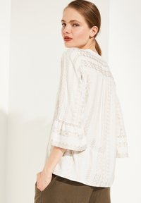 comma - Blouse - beige embroidery - 2