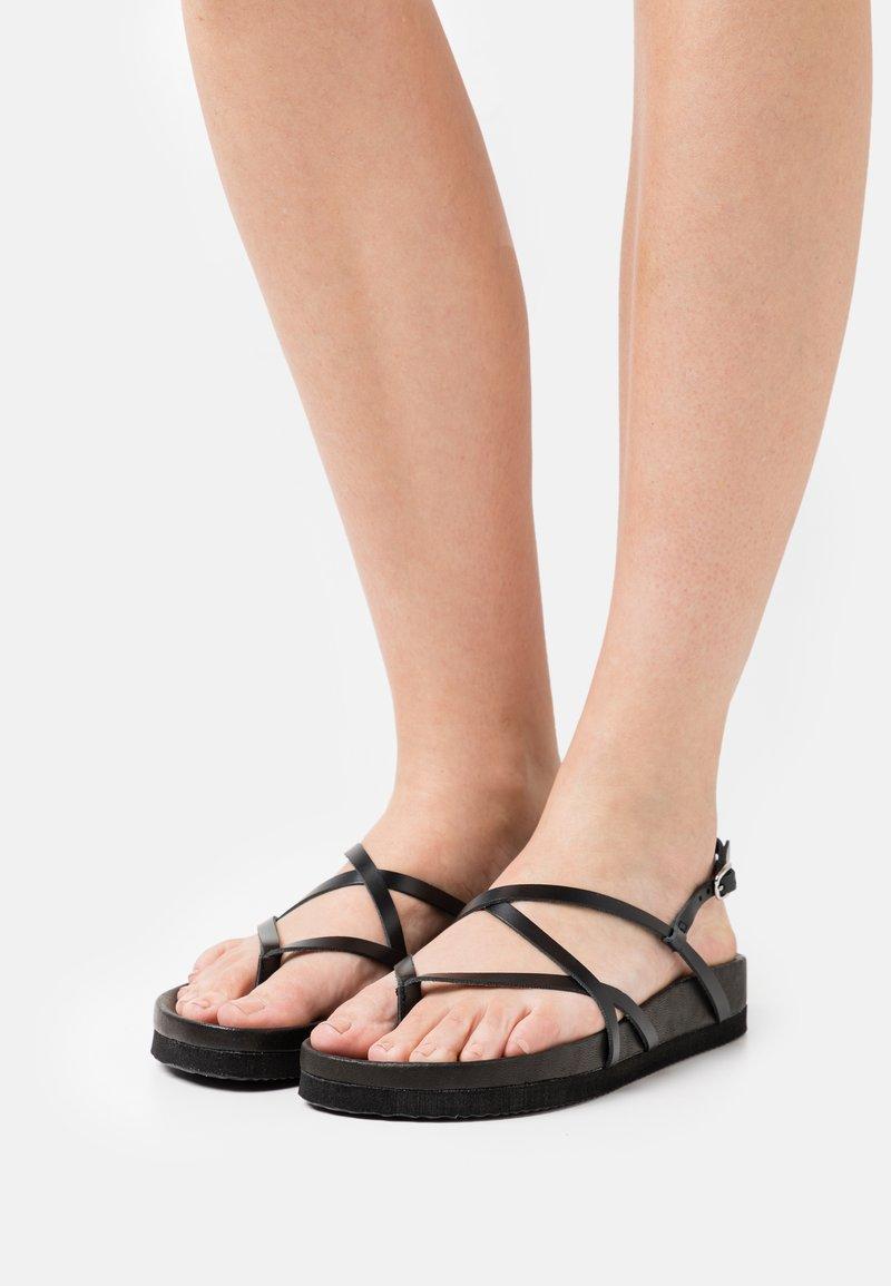 ZIGN Wide Fit - T-bar sandals - black