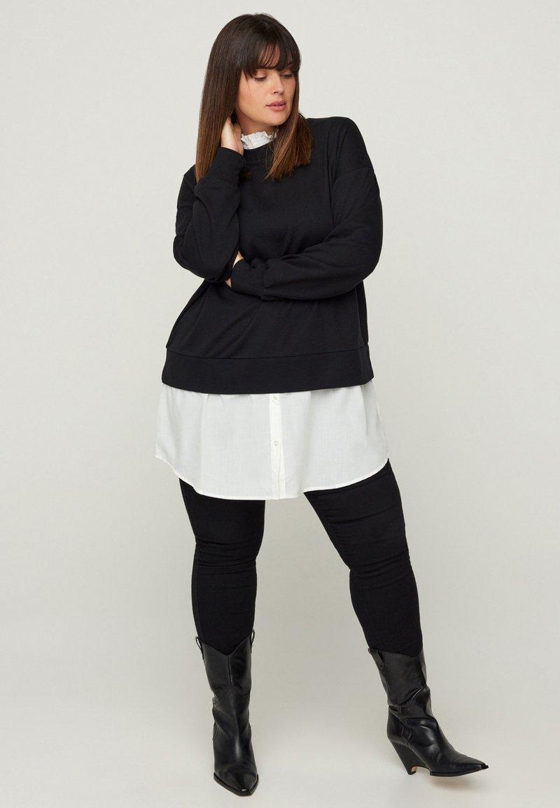 Zizzi - WITH A SEWN-IN - Sweatshirt - black
