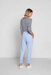 Polo Ralph Lauren - FEATHERWEIGHT - Pantalon de survêtement - elite blue - 2
