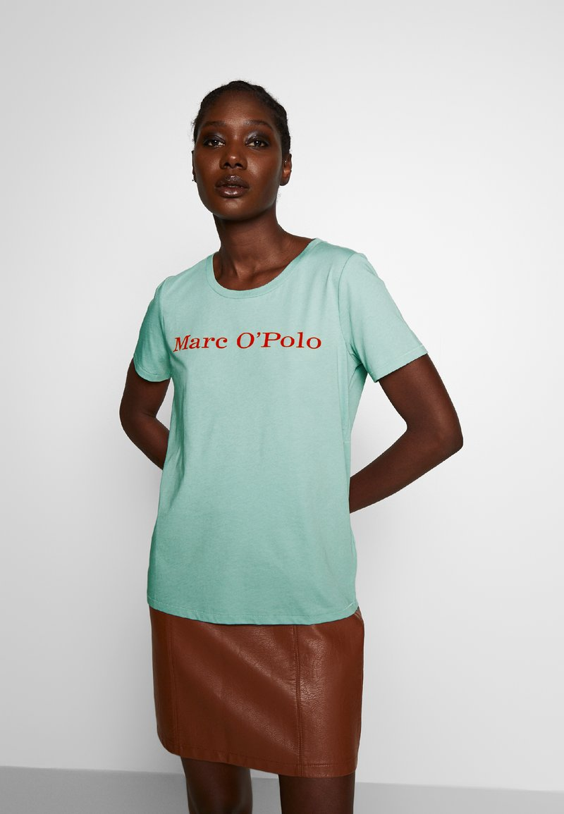 Marc O'Polo - SHORT SLEEVE CREW NECK - Triko s potiskem - misty spearmint