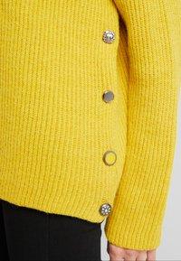 Liu Jo Jeans - MAGLIA CHIUSA  BOTTONI - Pullover - light yellow - 3