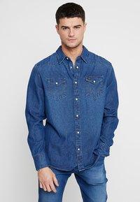 Wrangler - Shirt - blue denim - 0