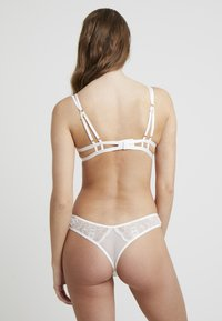 Bluebella - EMERSON BRA - Underwired bra - ivory - 2
