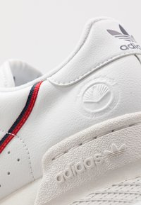 adidas Originals - CONTINENTAL 80 VEGAN - Sneakers - footwear white/collegiate navy/scarlet - 7