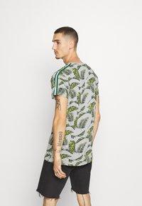Brave Soul - FERNS - T-shirt print - grey/multi-coloured/bottle green/white - 2