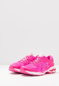 ASICS - GEL-KAYANO 26 - Stabilní běžecké boty - pink glo/cotton candy - 2