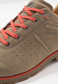 Mammut - ALVRA - Hiking shoes - oak/pepper - 5