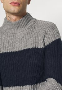 Brave Soul - REINOLD - Jumper - silver grey marl/ french navy - 5