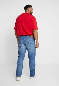 Levi's® Plus - 502™ REGULAR TAPER - Straight leg jeans - light-blue denim - 2
