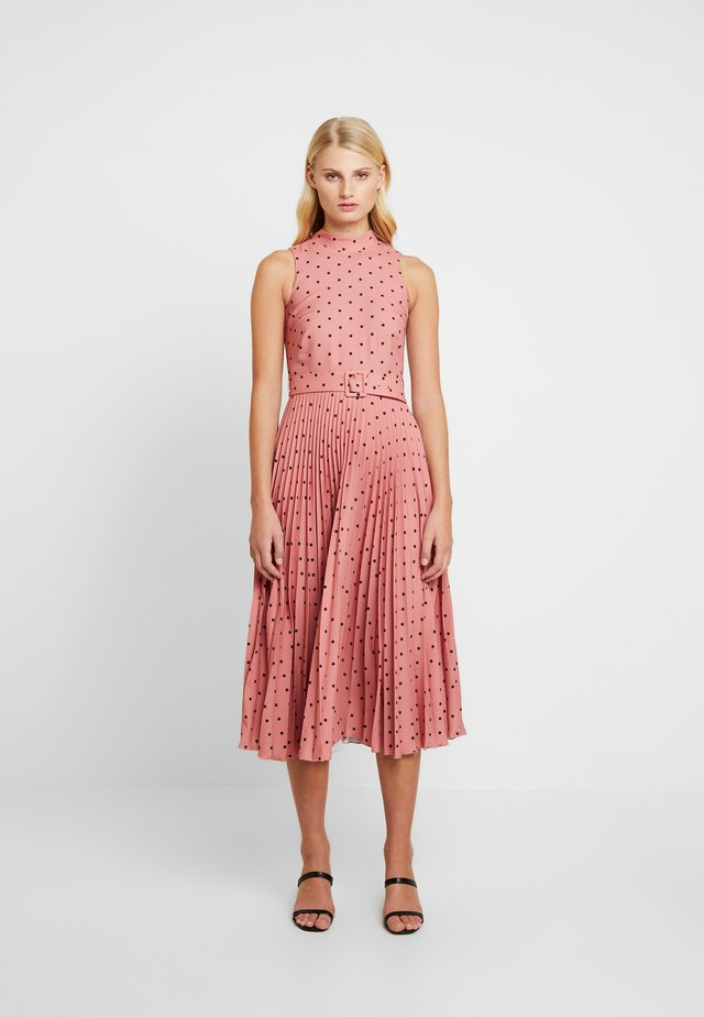 PLEATED DRESS - Robe d'été - rose
