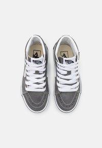 Vans - SK8 UNISEX - Zapatillas altas - pewter/true white - 3