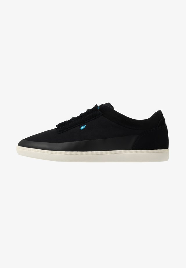 TROXTON - Trainers - black/white