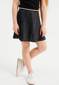 WE Fashion - MET STIPPEN EN GLITTERDETAILS - A-snit nederdel/ A-formede nederdele - all-over print - 1