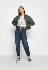 Tommy Jeans - MOM - Relaxed fit jeans - deep blue - 1