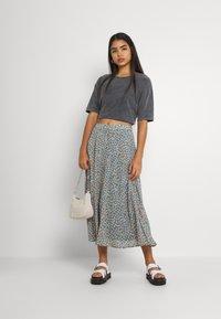 Vila - VICANELA MIDI SKIRT - A-line skirt - colony blue/salmon buff - 1