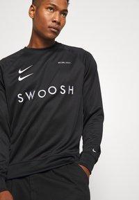 Nike Sportswear - CREW - Bluzka z długim rękawem - black/white - 3