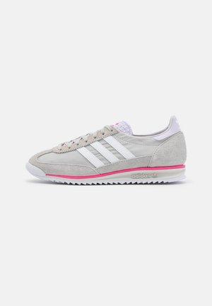 Sneakers laag - grey one/footwear white/grey two