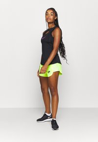 Nike Performance - AIR SHORT - Pantalón corto de deporte - volt/volt/black - 1