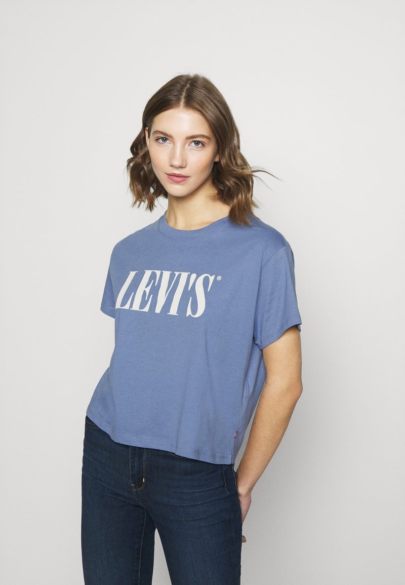 Levi's® - GRAPHIC VARSITY TEE - T-shirts med print - serif blue