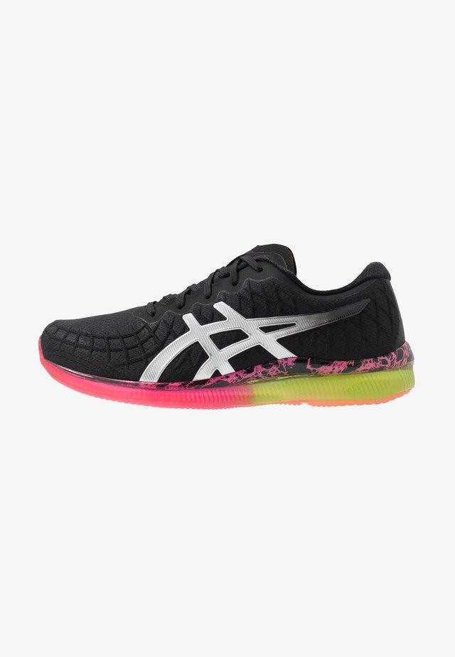 GEL-QUANTUM INFINITY - Neutrální běžecké boty - black/silver