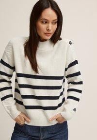 BONDELID - Jumper - offwhite stripe - 1