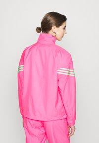 adidas Originals - SWAROVSKI TRACK  - Træningsjakker - solar pink - 2
