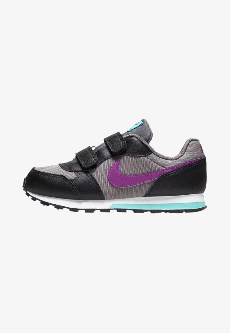 Nike Sportswear - MD RUNNER 2 BPV - Trainers - gunsmoke/black/hyper violet
