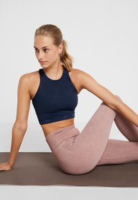 Free People - FP MOVEMENT SEAMLESS ROXY TANK - Toppi - navy - 3