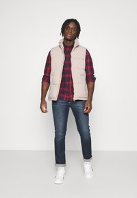 Lee - BUTTON DOWN - Skjorta - dark blue/red - 1