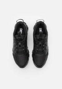 ASICS - GEL-QUANTUM 90 - Chaussures de running neutres - black - 3