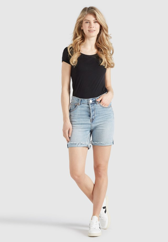 ROSANNA - Shorts di jeans - hellblau gewaschen