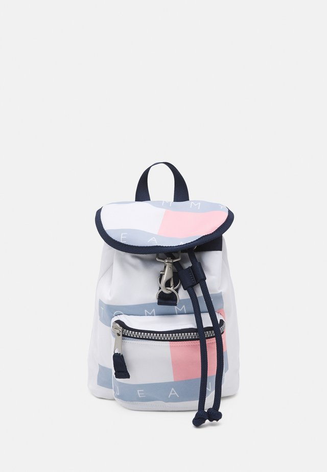 HERITAGE FLAG BACKPACK - Batoh - white