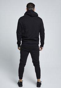 SIKSILK - Pantaloni sportivi - black - 2