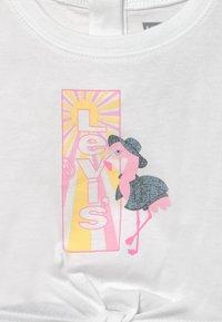 Levi's® - TIE FRONT SET - Print T-shirt - white - 3