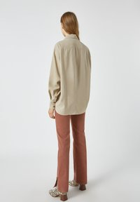 PULL&BEAR - Button-down blouse - mottled beige - 2