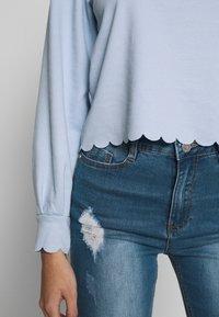 Pieces Petite - PCAUDREY IF PETITE - Long sleeved top - kentucky blue - 4