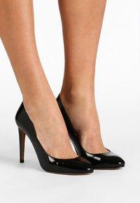 Pura Lopez - High heels - vernice black - 0