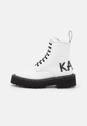 PATROL BRUSH LOGO HI LACE - Platform ankle boots - white