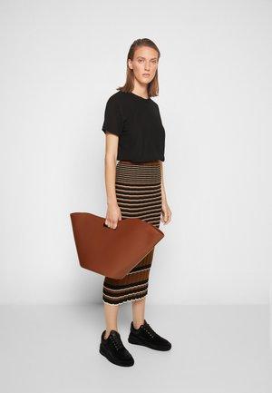 NO HANDLE TULIP TOTE - Shoppingveske - light brown