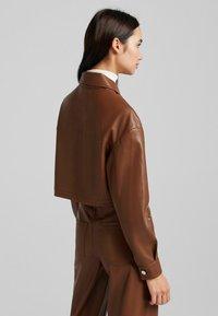 Bershka - CROPPED AUS - Faux leather jacket - brown - 2