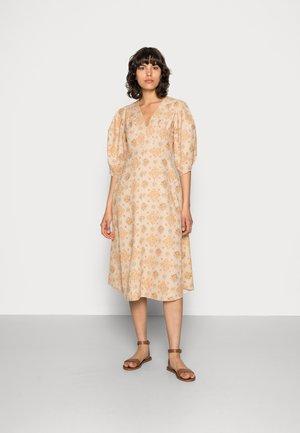 VALARIE DRESS - Vapaa-ajan mekko - apricot