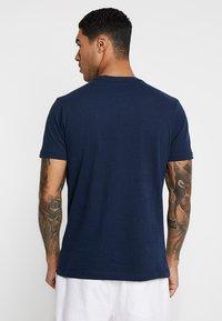 Ellesse - VOODOO - Print T-shirt - navy - 2