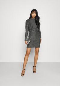 Gina Tricot - AMBER DRESS EXCLUSIVE - Cocktailkjoler / festkjoler - silver - 1