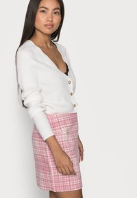 Missguided Petite - BRUSHED CHECK MINI SKIRT - Mini skirt - pink - 3