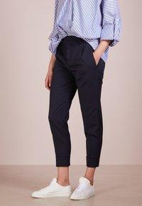 DRYKORN - EMOM - Trousers - blue denim - 0