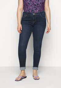 Selected Femme Curve - SLFINA - Skinny-Farkut - dark blue denim - 0