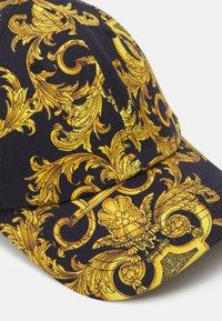 Versace Jeans Couture - UNISEX - Cap - black/gold - 4